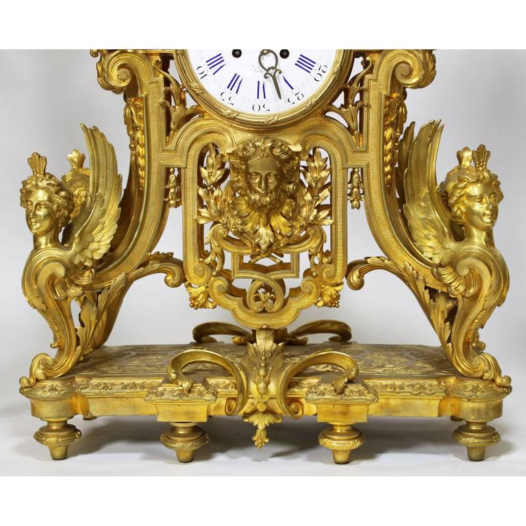 French 19th Century Louis XIV Style Figural Ormolu Clock Garniture, Raingo Frers In Excellent Condition For Sale In Los Angeles, CA