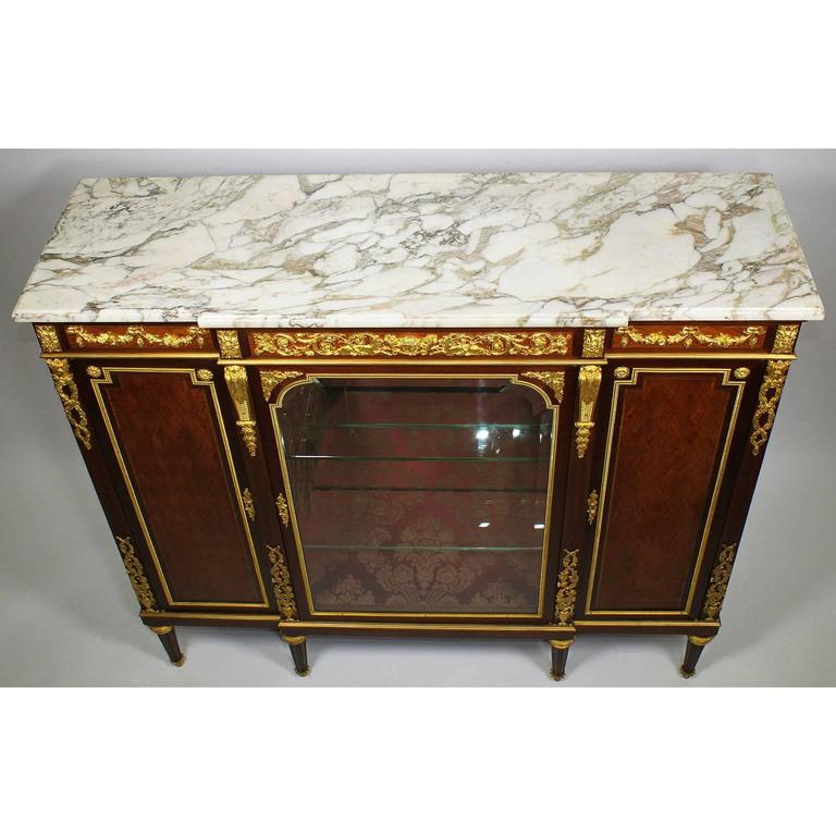 French 19th-20th Century Louis XVI Style Ormolu-Mounted Kingwood Vitrine Cabinet For Sale 1