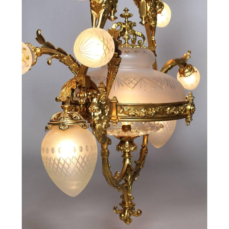 Early 20th Century French Belle Epoque 19th-20th Century Neoclassical Style Gilt-Bronze Chandelier For Sale