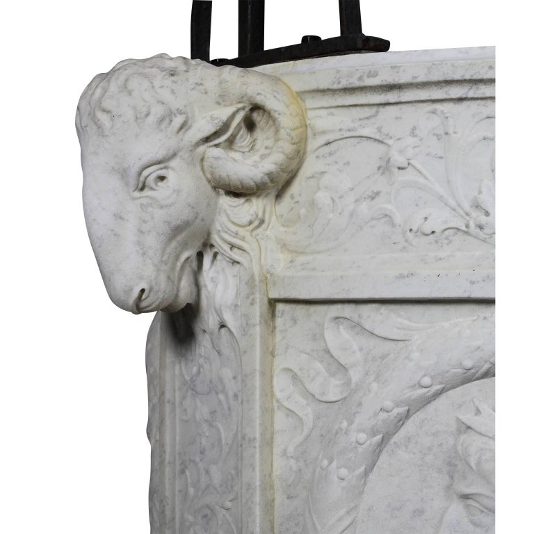 Italian 19th Century Carved Carrara Marble and Wrought Iron Wishing Well Head For Sale 3