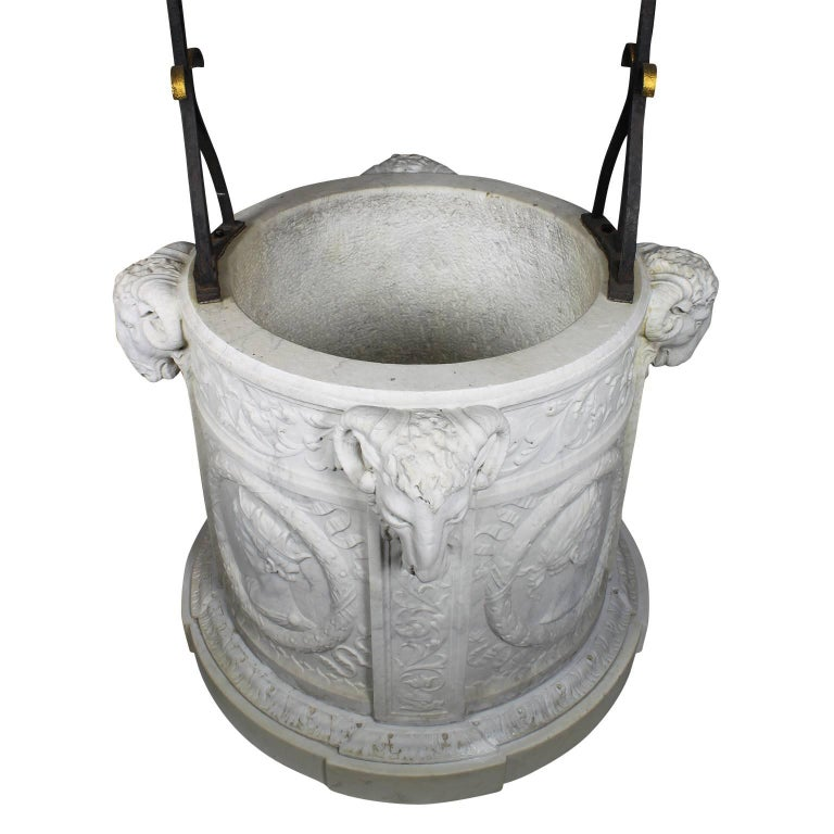 Italian 19th Century Carved Carrara Marble and Wrought Iron Wishing Well Head For Sale 4