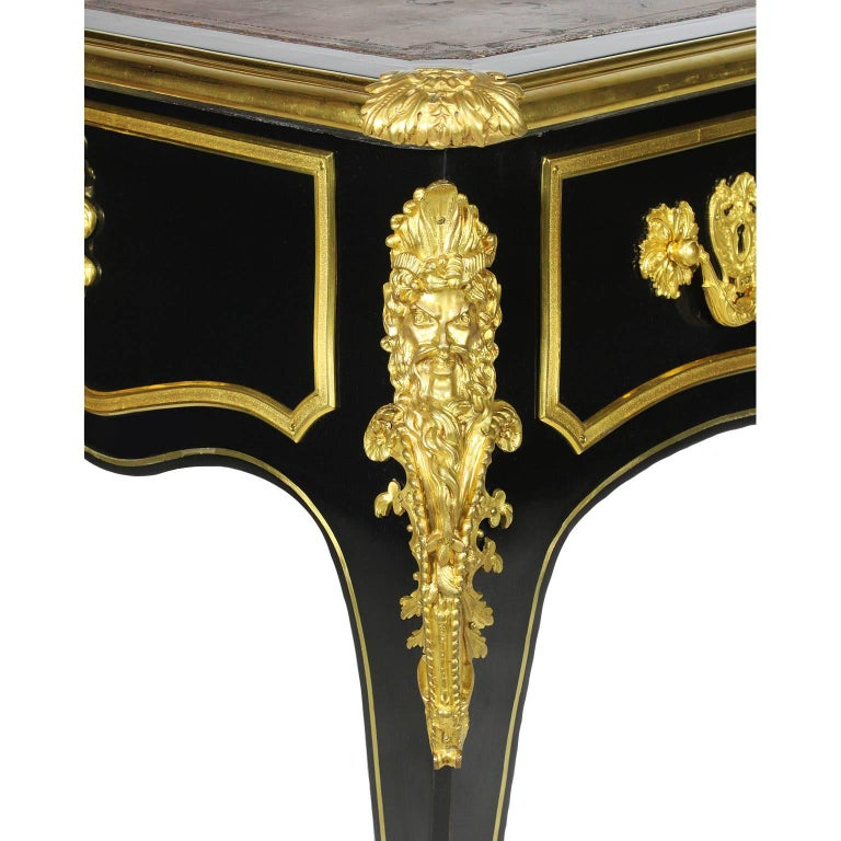 French 19th Century Louis XV Style Ebonized Wood and Gilt Bronze-Mounted Desk For Sale 3