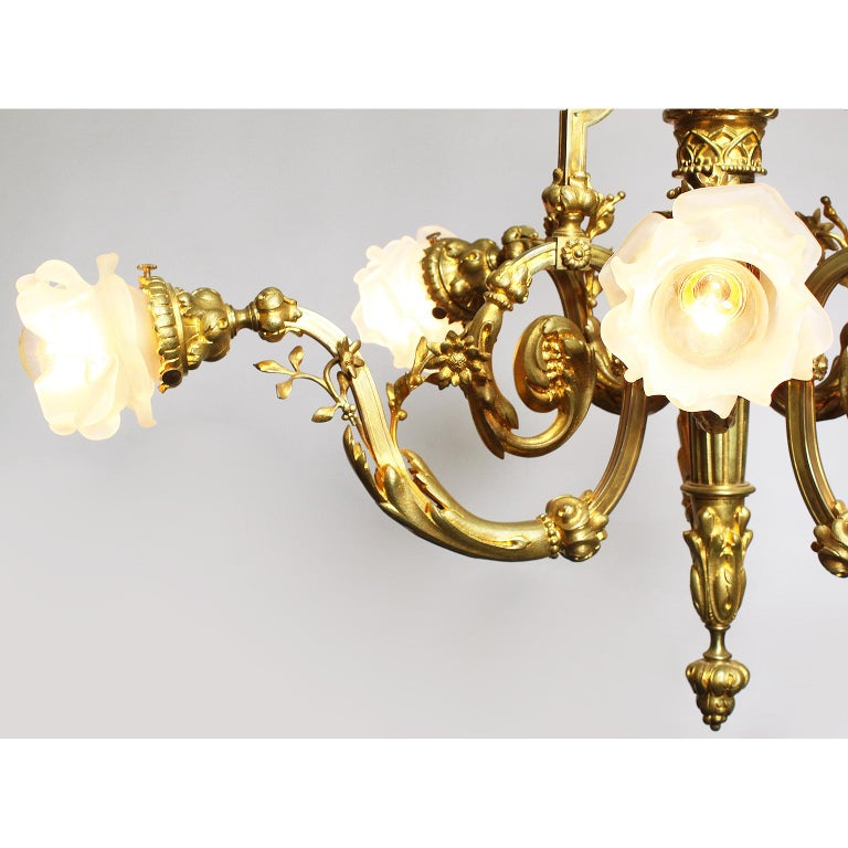 French Louis XV Style Belle Époque Empire Revival Style Gilt Bronze Chandelier In Excellent Condition For Sale In Los Angeles, CA