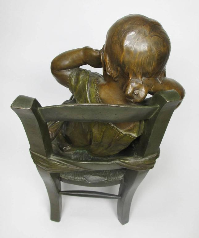 French 19th century patinated bronze sculpture l 39 enfant for Abdos assis sur une chaise