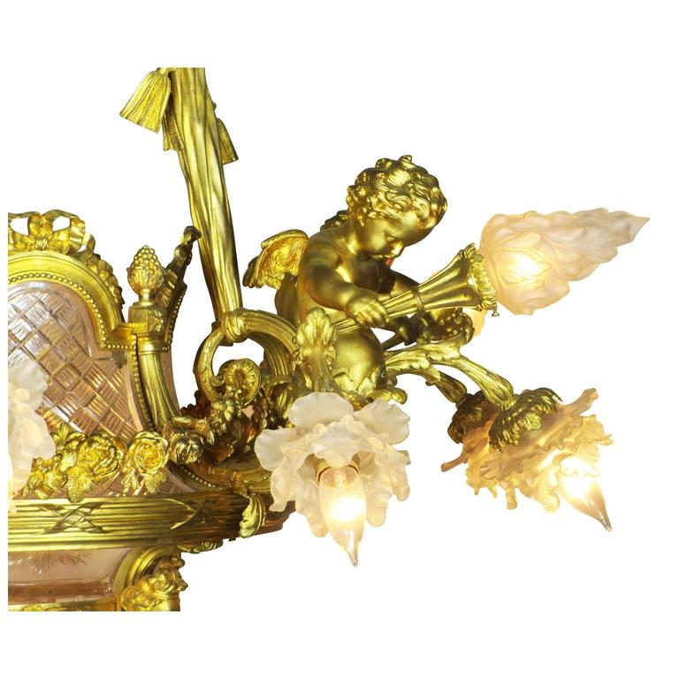 Fine French 19th-20th Century Louis XV Style Gilt Bronze and Baccarat Chandelier For Sale 2