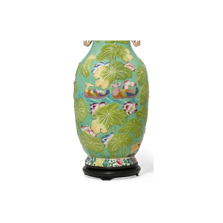 Pair of English 19th-20th Century Chinoiserie Style Porcelain Vases Table Lamps 9