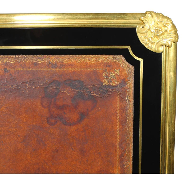 French 19th Century Louis XV Style Ebonized Wood and Gilt Bronze-Mounted Desk For Sale 7