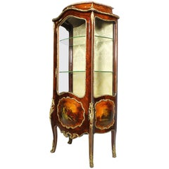 French 19th Century Louis XV Style Gilt Bronze-Mounted and Vernis Martin Vitrine