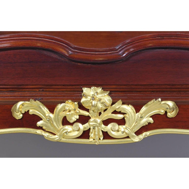 French, 19th-20th Century Louis XV Style Gilt Bronze-Mounted Vitrine by Haentges For Sale 1