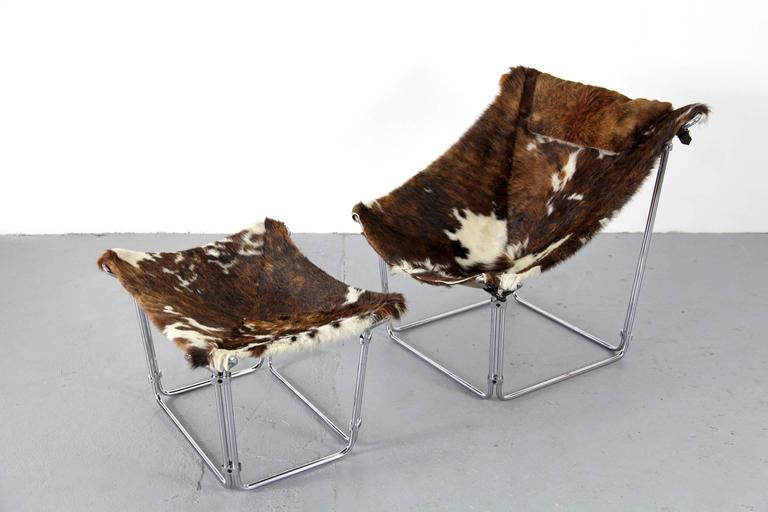 Cowhide Lounge Chair with Ottoman by Kwok Hoi Chan Produced by Steiner, Paris For Sale 1