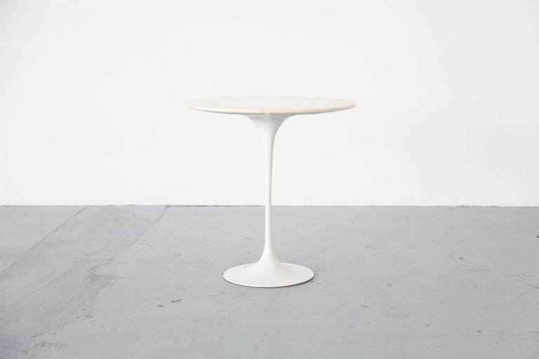 mid century modern eero saarinen side table with marble knoll international for sale