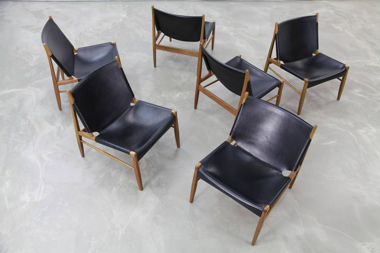 Franz Xaver Lutz Oak and Leather 'Chimney' Chair for WK Verband, 1958 For Sale 3