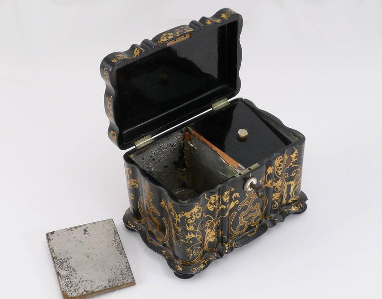 1850s Lacquered Tea Caddy 3