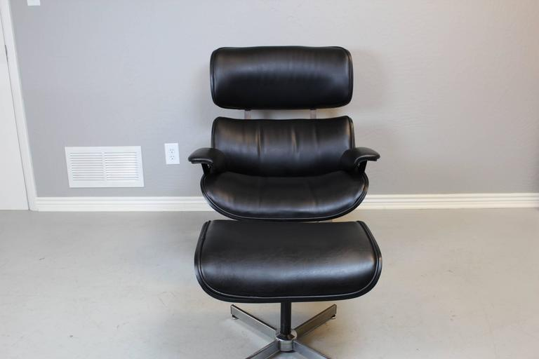 George Mulhauser For Plycraft Black Leather Lounge Chair