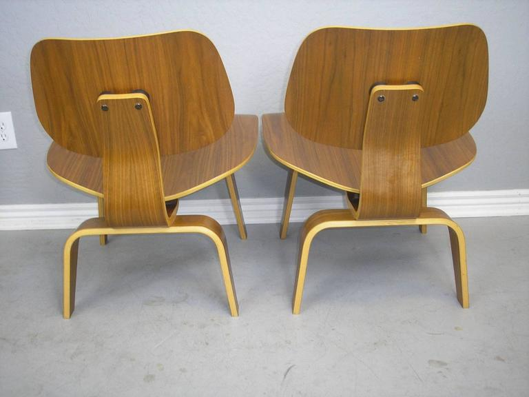 Mid-Century Modern Charles and Ray Eames LCW Chairs Pair For Sale & Charles and Ray Eames LCW Chairs Pair at 1stdibs
