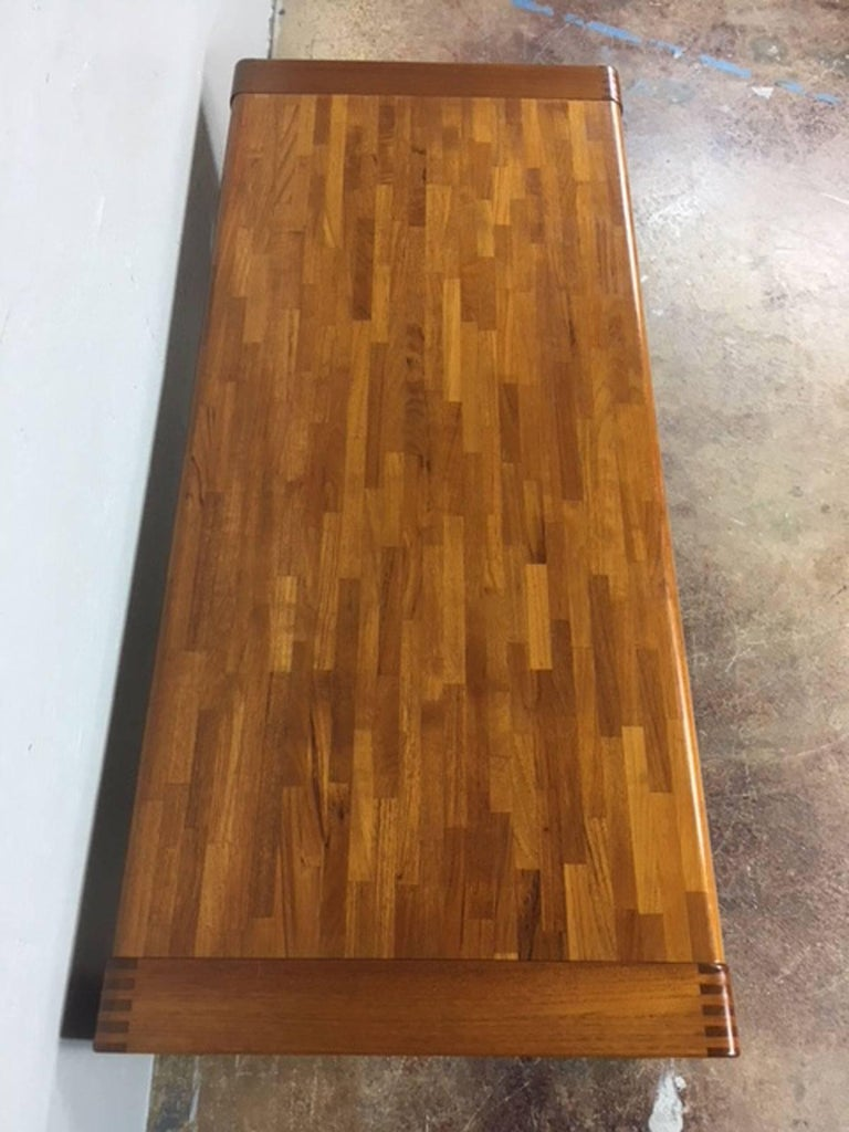 Teak Patchwork Coffee Table In Excellent Condition For Sale In Phoenix, AZ