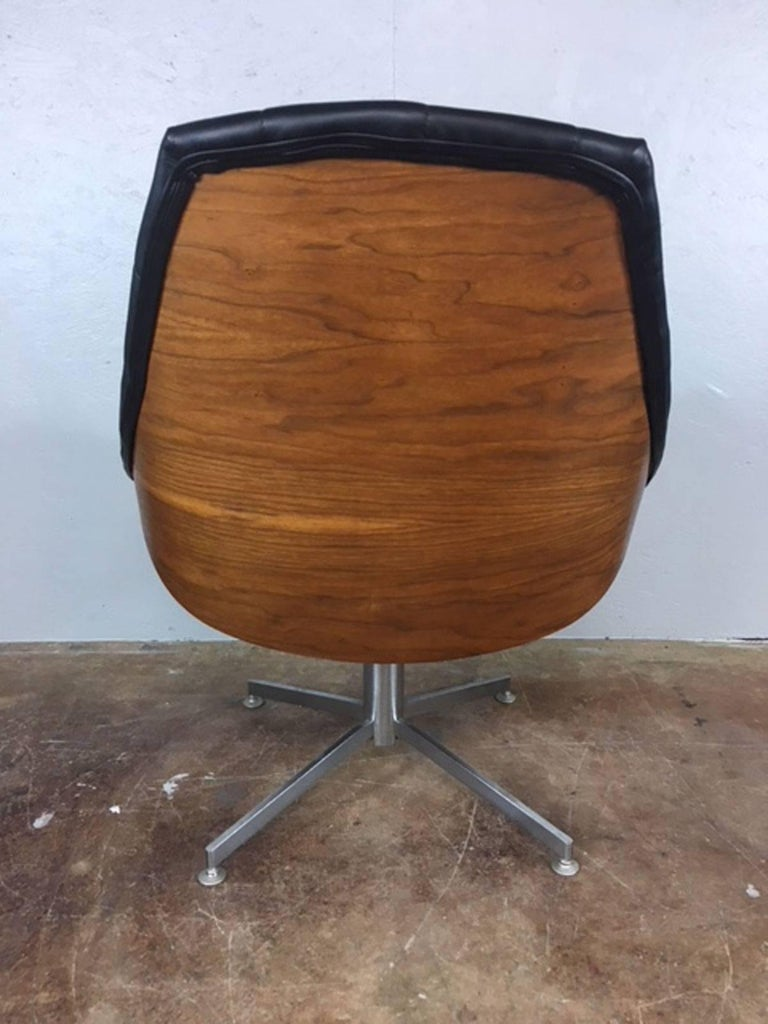 Mid-Century Modern Unique Walnut Encased and Leather Diamond Lounge Chair For Sale