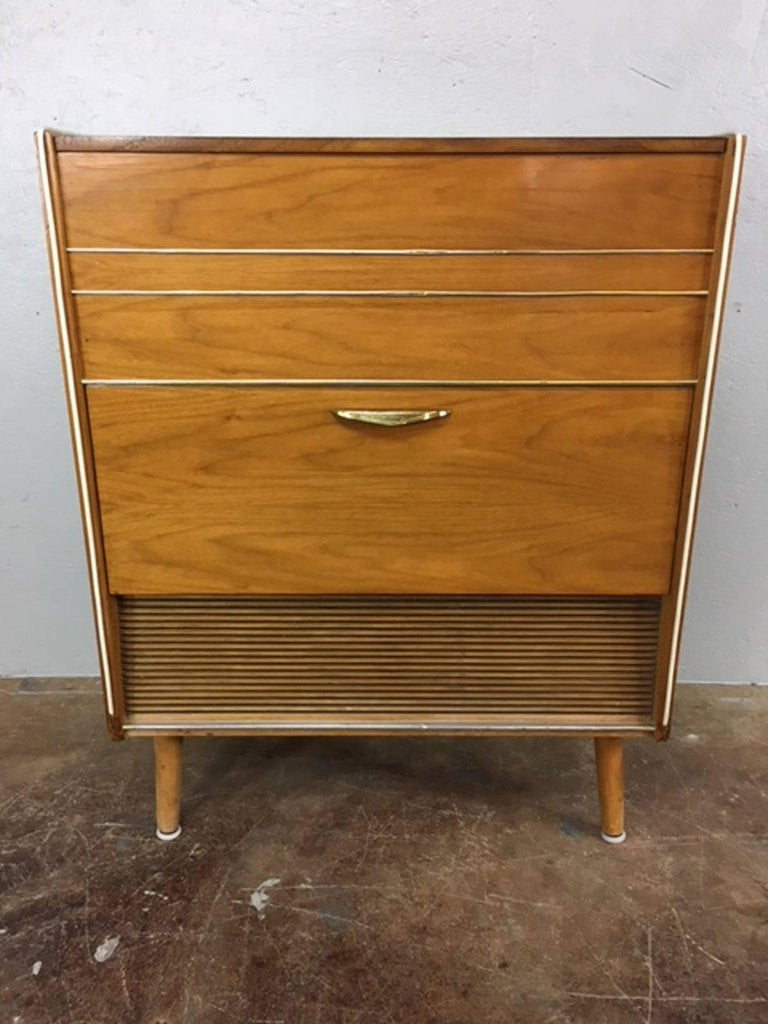 Mid-Century Modern Koronette Stereo Cabinet with Built in Dry Bar For Sale