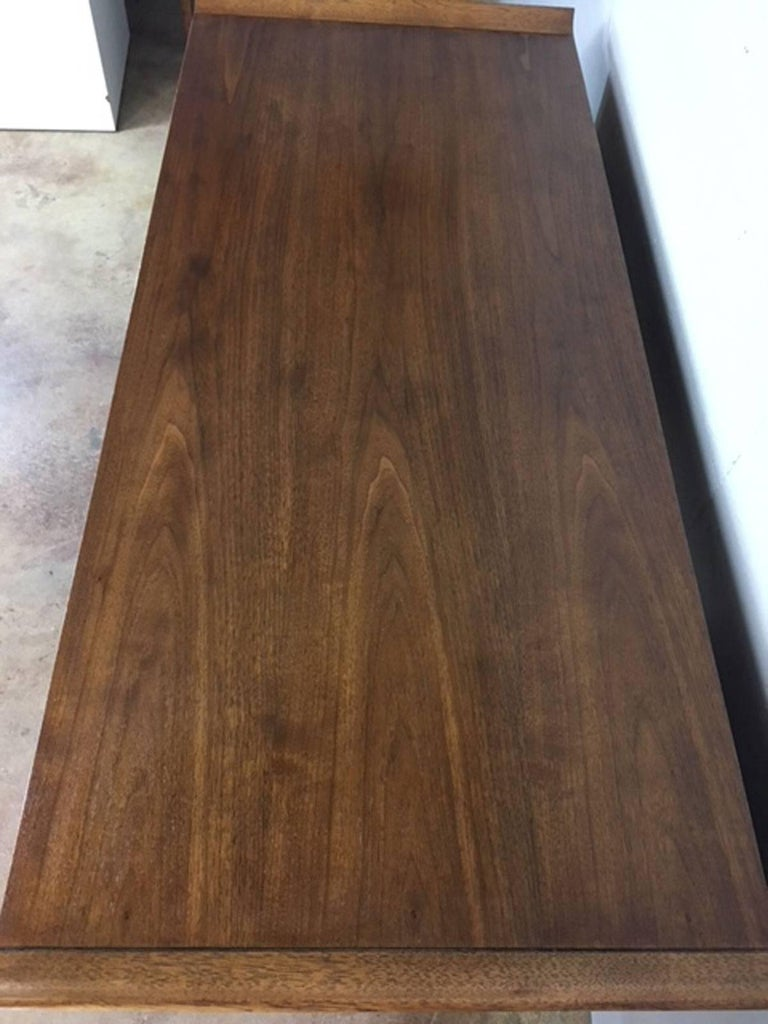 Broyhill Mid-Century Modern Desk in Walnut For Sale 1