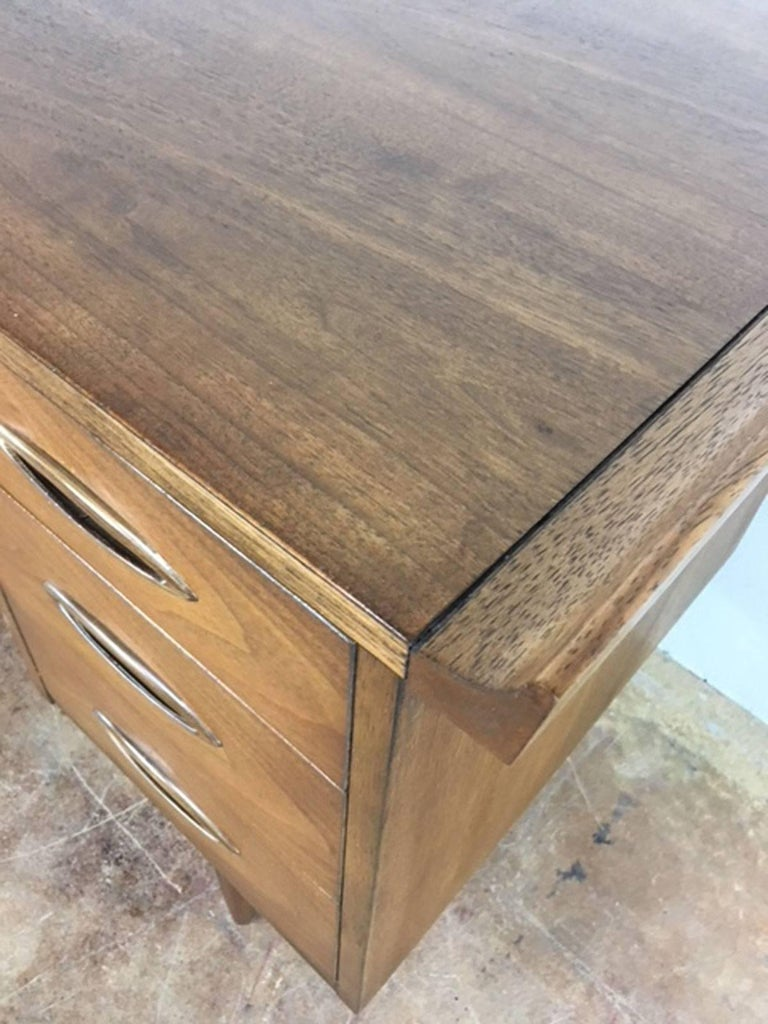 American Broyhill Mid-Century Modern Desk in Walnut For Sale