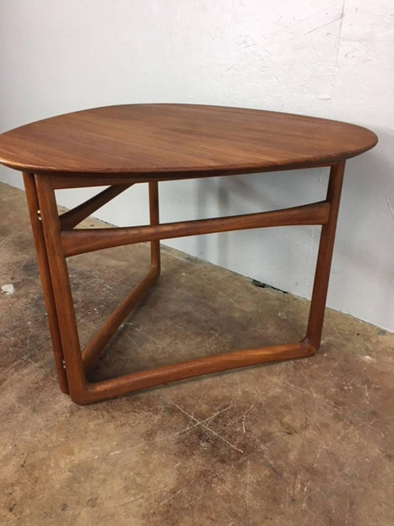 Mid-Century Modern Peter Hvidt Folding Side Table in Teak For Sale