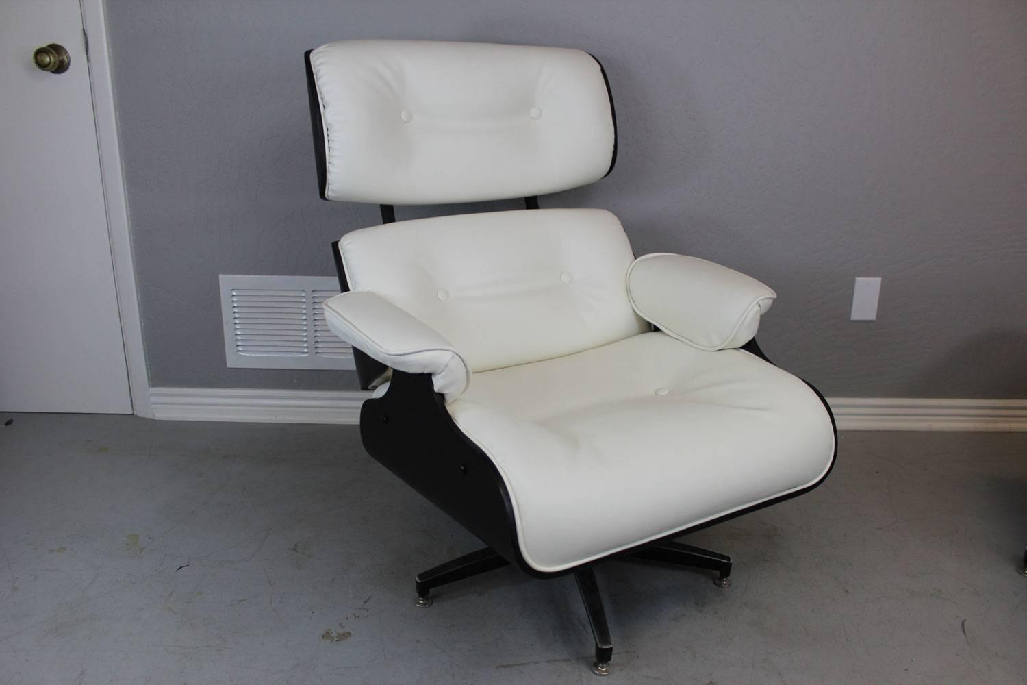 Eames style lounge chair and ottoman in black and ivory for Chaise haute style eames