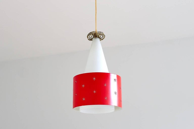 Paavo Tynell Red Pendant, Model K2-10, Idman Finland, 1955 In Good Condition For Sale In The Hague, NL