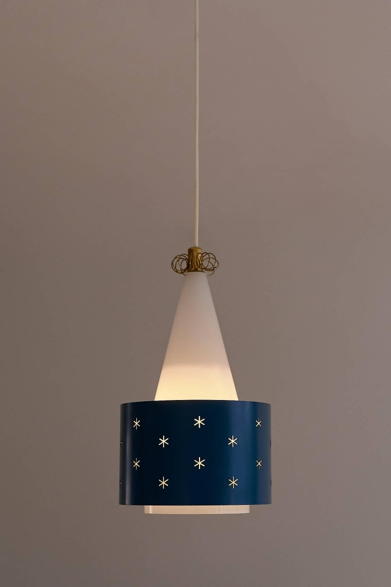Finnish Paavo Tynell Blue Pendant, Model K2-10, Idman Finland, 1955 For Sale