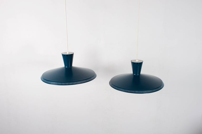 1/10 Industrial Louis Kalff NB93 Pendant for Philips, 1950s In Good Condition For Sale In Echt, NL