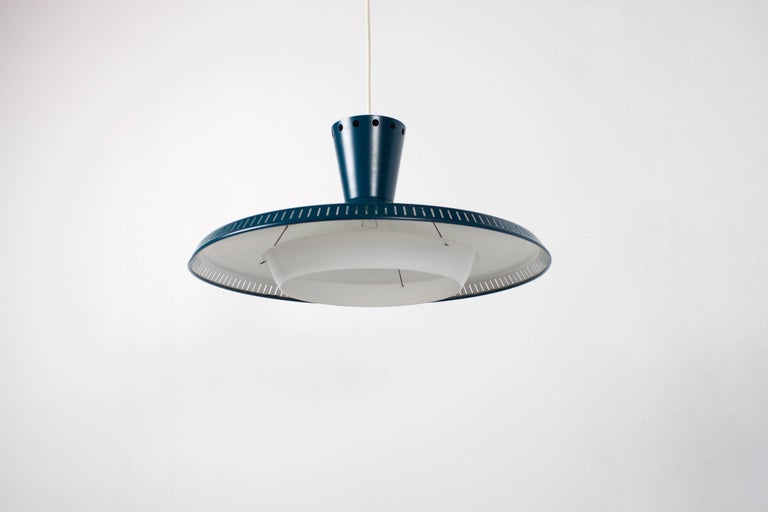 1/10 Industrial Louis Kalff NB93 Pendant for Philips, 1950s For Sale 1
