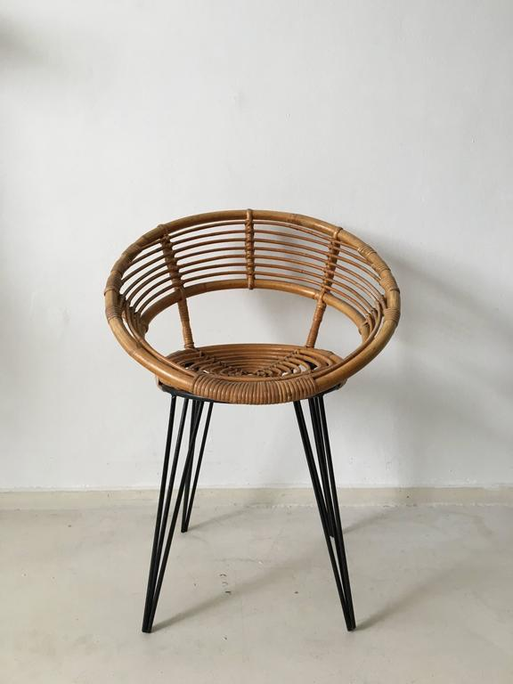 Cute rattan chair with metal hairpin legs circa 1950s for Cute side chairs