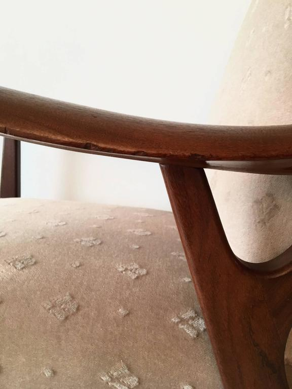 Pair of Massive Teak Organic Shaped Lounge Chairs by Topform, 1950s-1960s For Sale 2