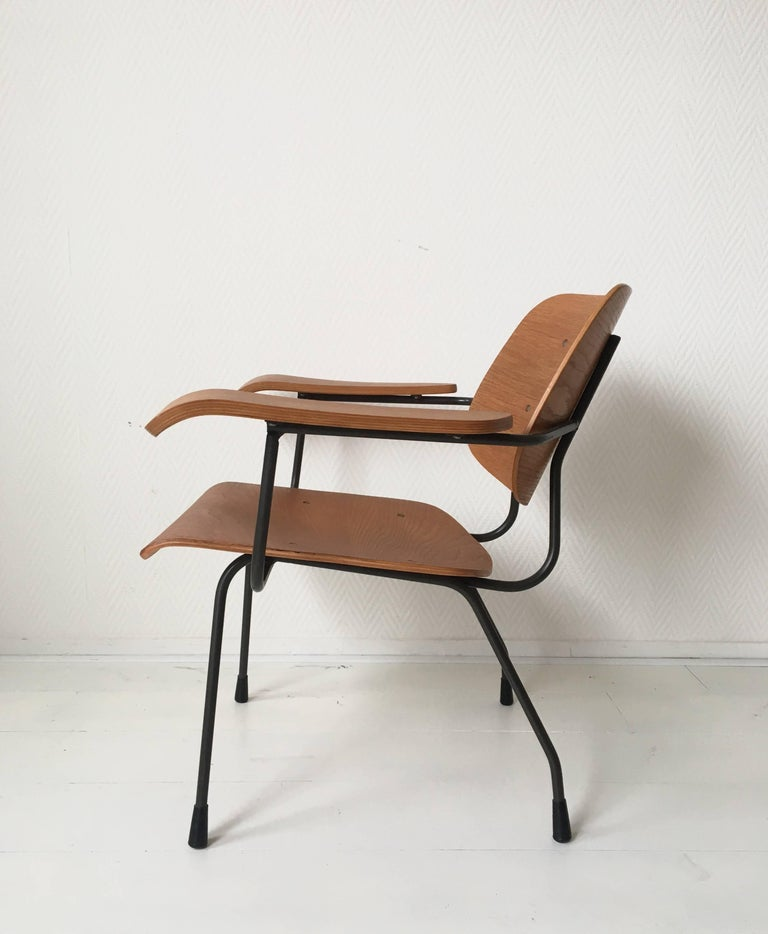 Minimalist Dutch Design Pilastro Easy Chair Model 8000 by Tjerk Reijenga, 1960s In Good Condition For Sale In Schagen, NL