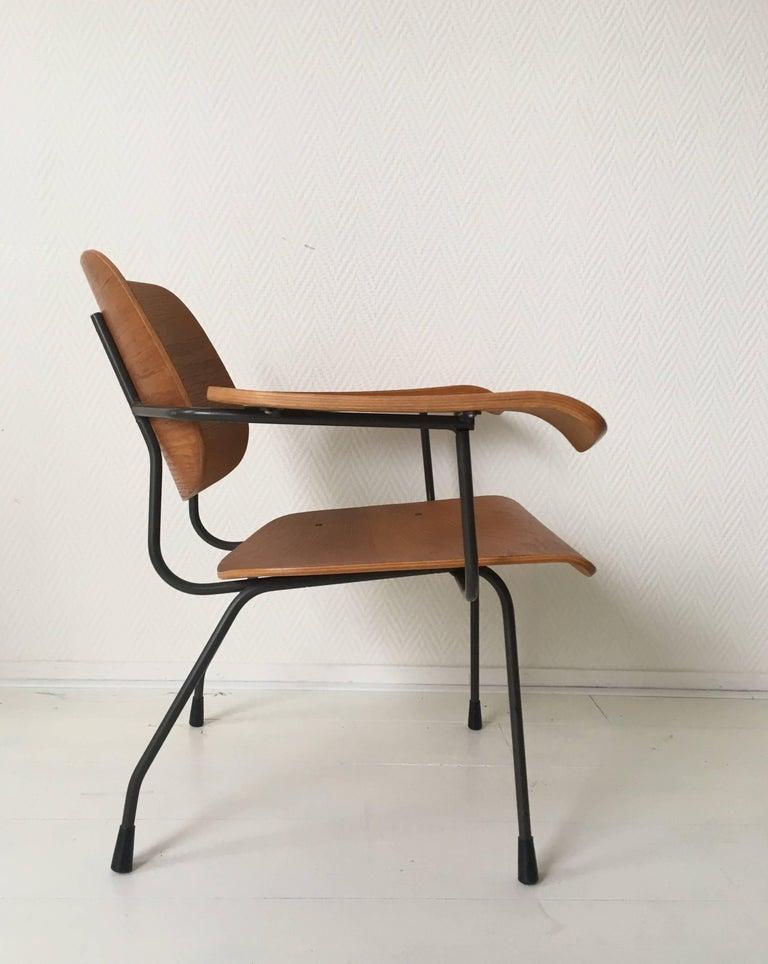 Mid-20th Century Minimalist Dutch Design Pilastro Easy Chair Model 8000 by Tjerk Reijenga, 1960s For Sale