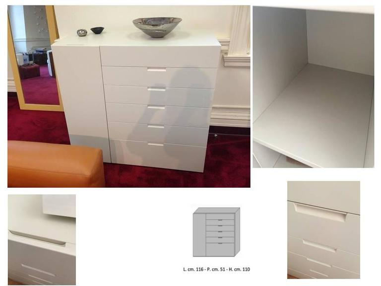 Contemporary Italian Modern Sideboard Ivory Lacquer with drawers and side door For Sale