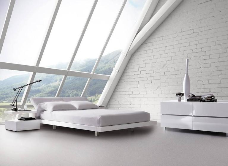 Italian Modern Platform Bed Italian Furniture High Gloss Lacquered