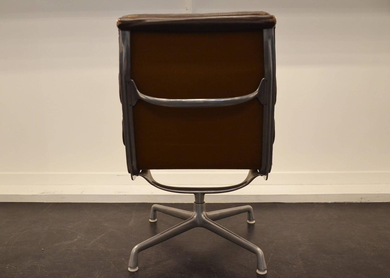 Original Desk Chair Designed By Eames For Herman Miller