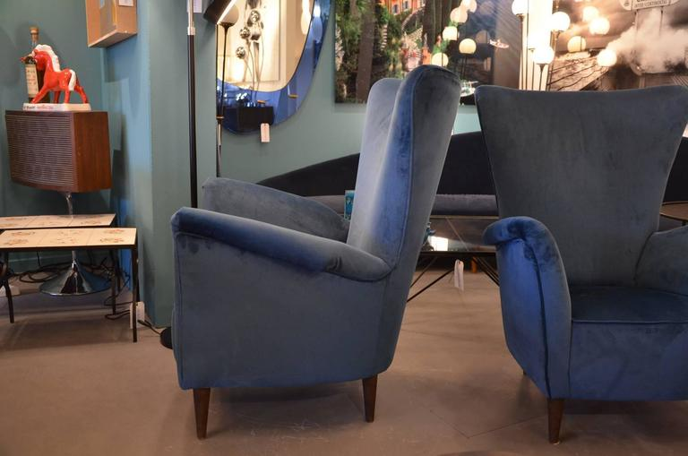 Beautiful Pair of Italian Reupholstered Armchairs in the Taste of Gio Ponti 4