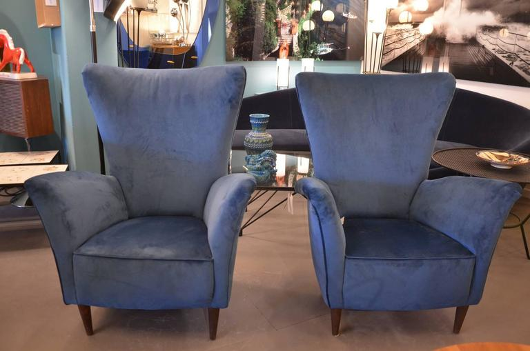 Beautiful Pair of Italian Reupholstered Armchairs in the Taste of Gio Ponti 8