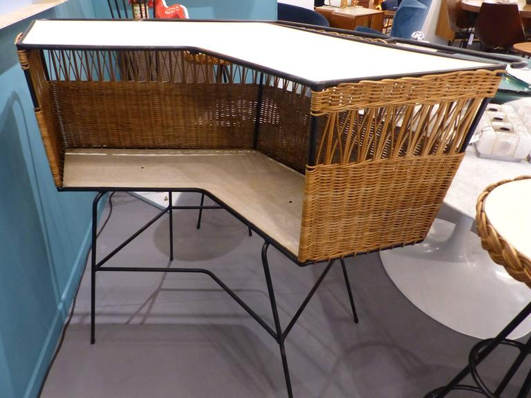 Fantastic Set of Italian Wicker Bar and Two Stools, circa 1960 3