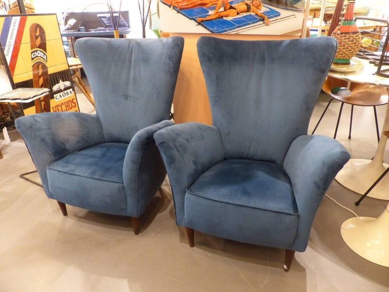 Beautiful Pair of Velvet Italian Armchairs in the Taste of Gio Ponti, circa 1960 2