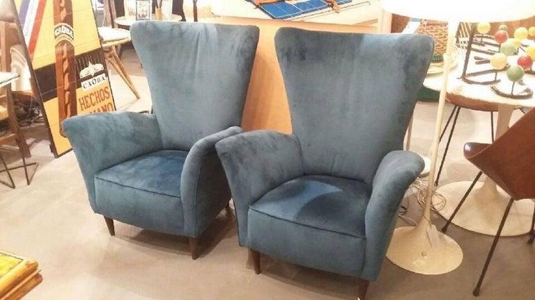 Beautiful Pair of Velvet Italian Armchairs in the Taste of Gio Ponti, circa 1960 2
