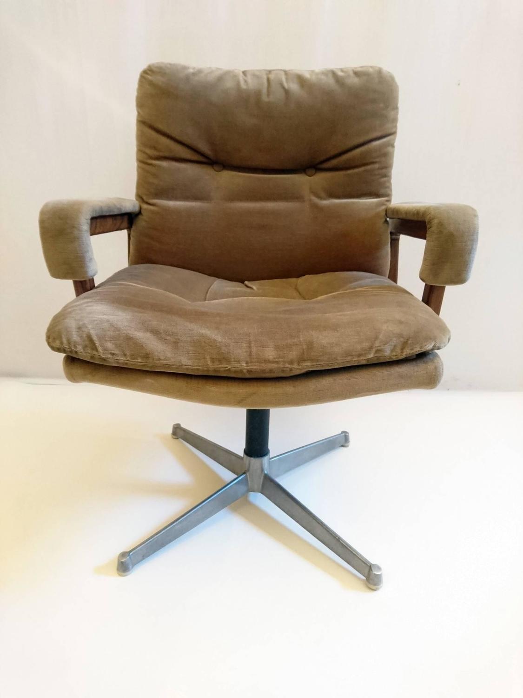 italian office chair in velvet and teak for sale at 1stdibs. Black Bedroom Furniture Sets. Home Design Ideas