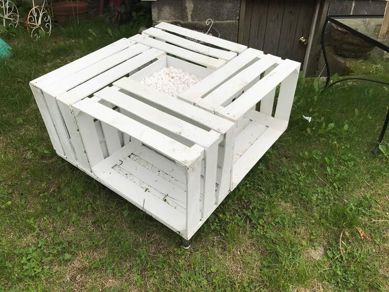 Handmade Outdoor Pallet Wood Painted White With Gravel