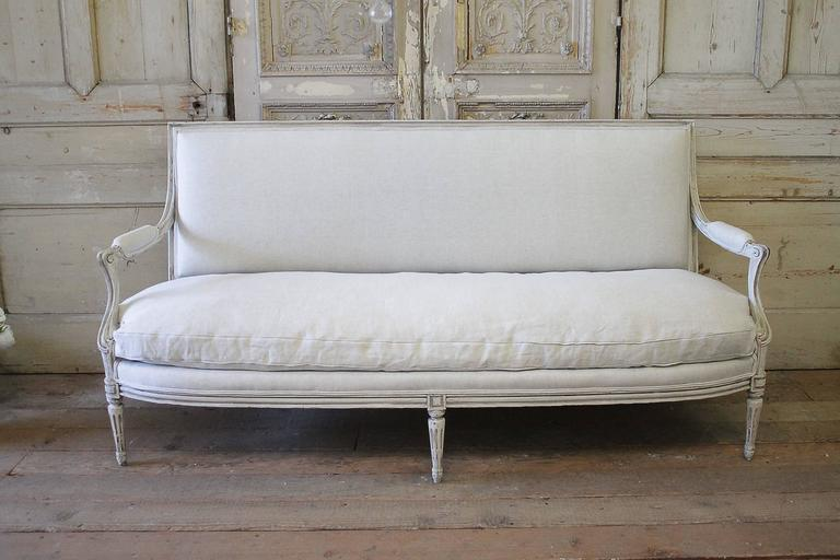 Antique Louis XVI Style French Sofa In Natural Belgian Linen In Distressed  Condition For Sale In