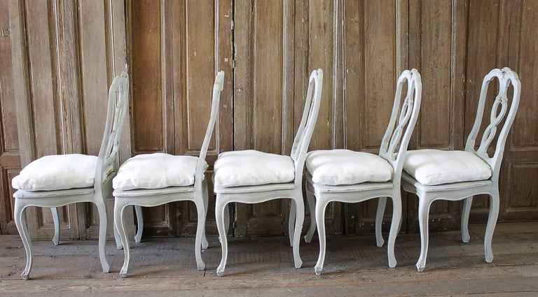 Rococo Set of Ten Early 20th Century Italian Carved Painted Dining Chairs For Sale