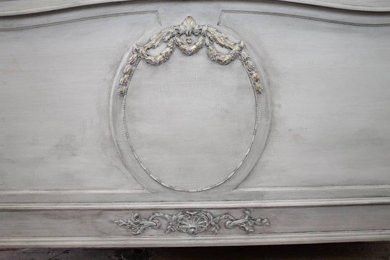 Early 20th Century Antique Louis XVI Style Full Size Bed For Sale 4