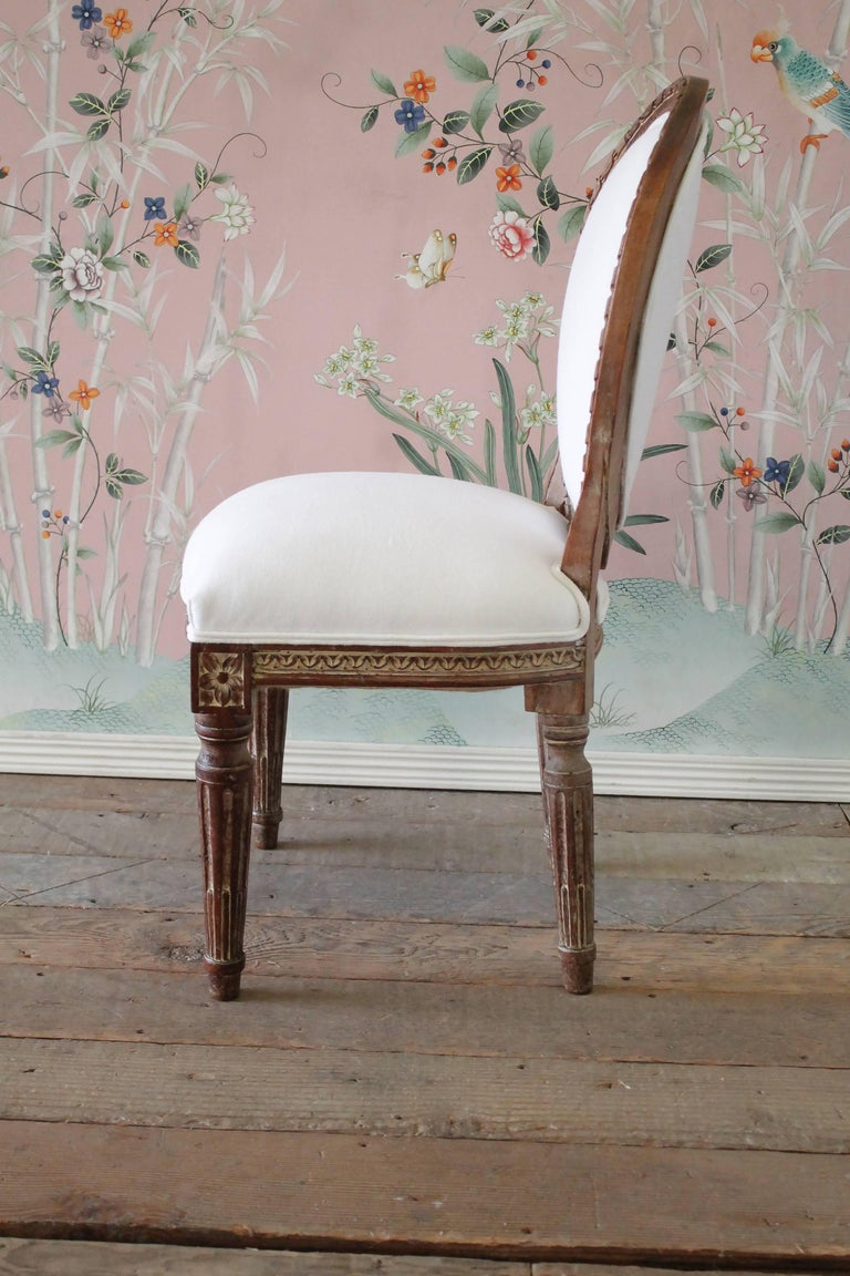 19th Century Antique Louis XVI Style Vanity Chair Upholstered in Belgian Linen In Good Condition For Sale In Brea, CA