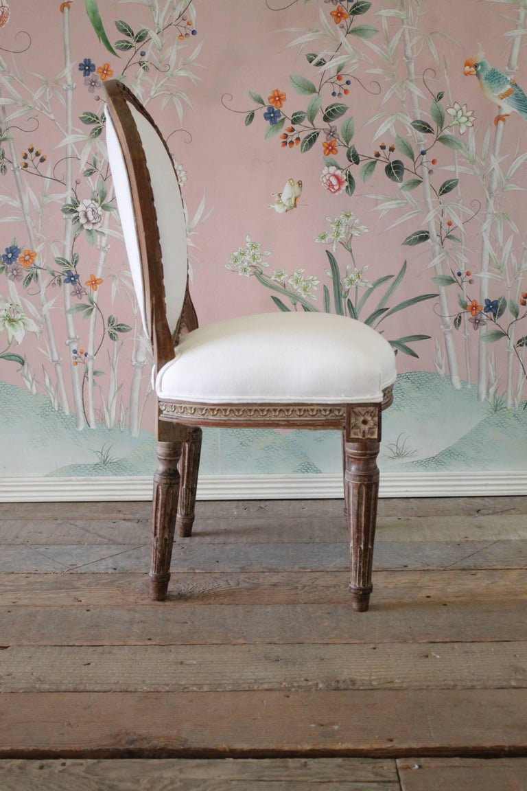 19th Century Antique Louis XVI Style Vanity Chair Upholstered in Belgian Linen For Sale 2