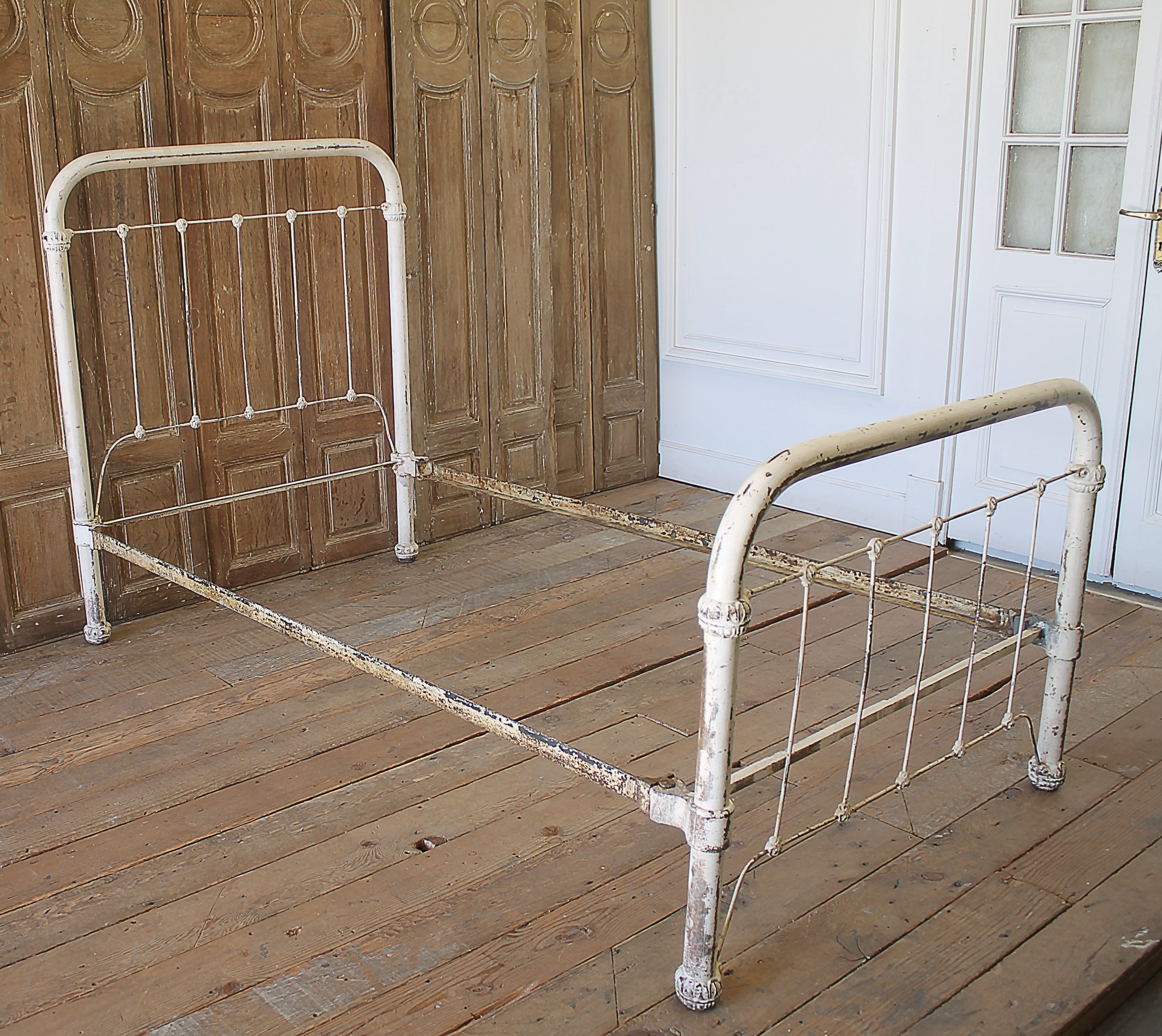 Antique Wrought Iron Twin Size Bed At 1stdibs